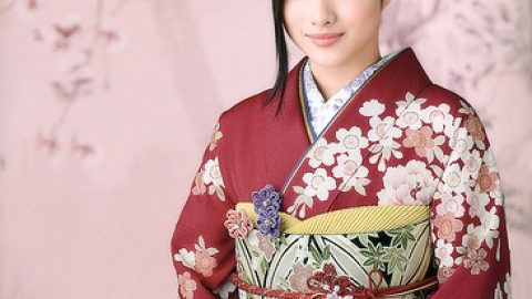 Đất nước mặt trời mọc và trang phục truyền thống của người phụ nữ
